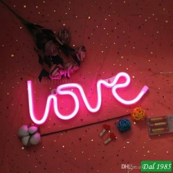 SCRITTA DA MURO PLASTICA A LED \'\' LOVE \'\'